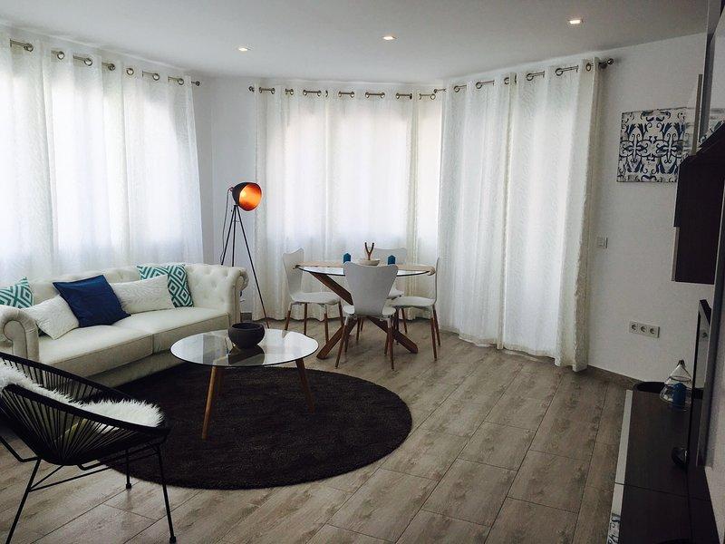 Aparthotel Club de Golf Los Pinos, vacation rental in San Miguel de Salinas
