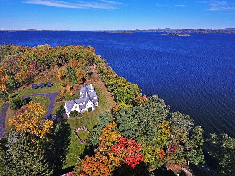 Tener el último refugio de Vermont con esta regia casa de vacaciones en South Hero.