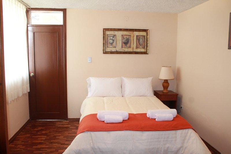 Habitación cómoda, baño privado