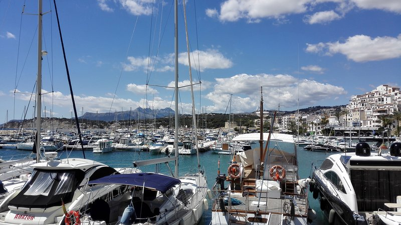Port of Moraira a 3-minute walk from the apartment