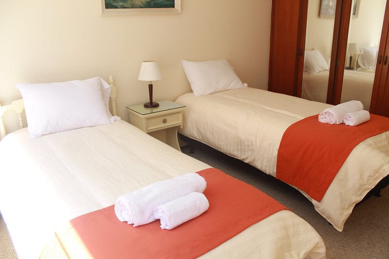 Double Bed Room/Shared Bathroom, vacation rental in Quito