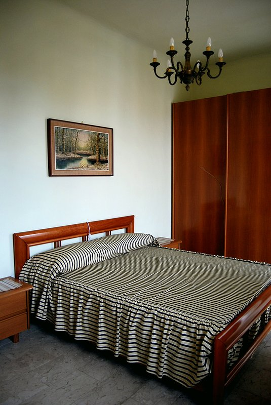 Full room with bed linen and towels