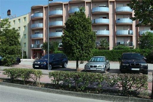 APPARTAMENTO AFFITTO COMODO PER VENEZIA E TREVISO, vacation rental in Zenson di Piave