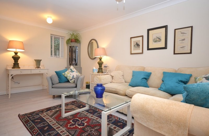 The White House at Cary Court,, Ferienwohnung in Torquay