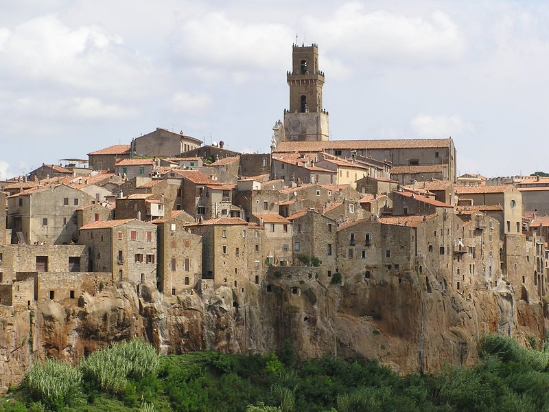 The tufo village of Pitigliano, 38 kilometers from the cottage