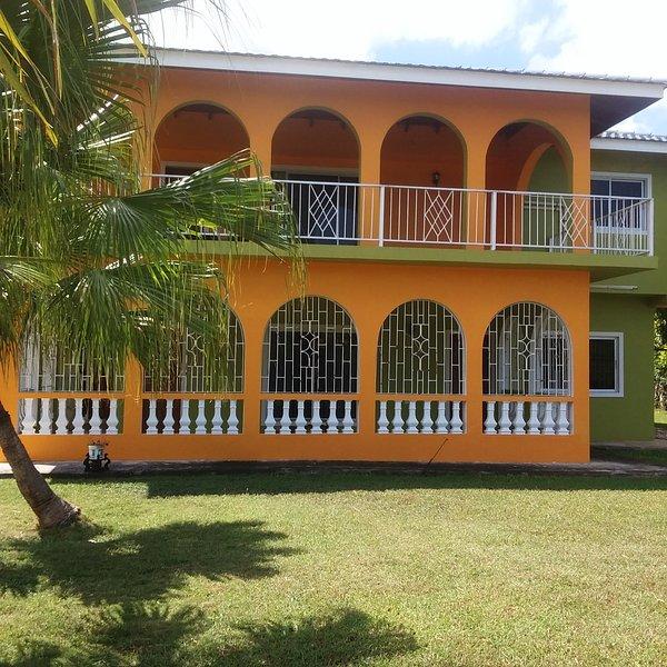 The best luxury rental for less !!!, vakantiewoning in Runaway Bay
