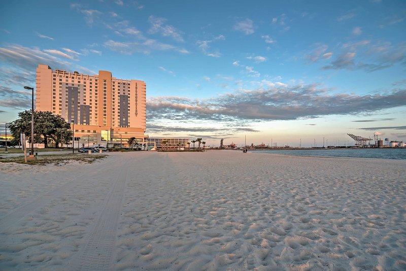 La spiaggia è a soli 3 isolati dalla vostra casa lontano -da-casa!