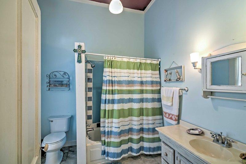 La casa dispone di 2 bagni.