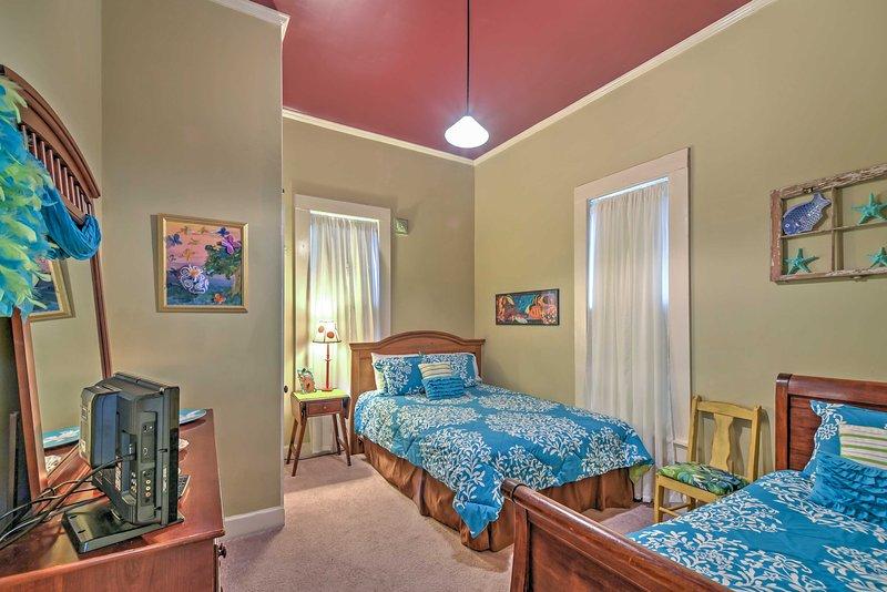 Questa camera da letto include 1 letto matrimoniale e 1 doppia.