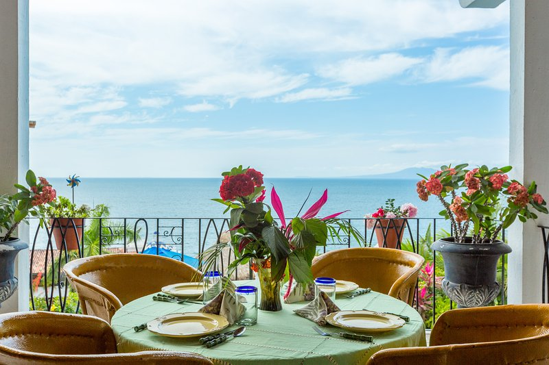 Enjoy breakfast w/ spectacular views of the ocean, boats, dolphins and whales in season  Mesmerizing