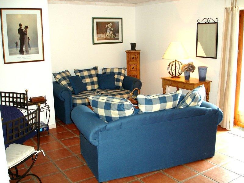 La Grange - the living room