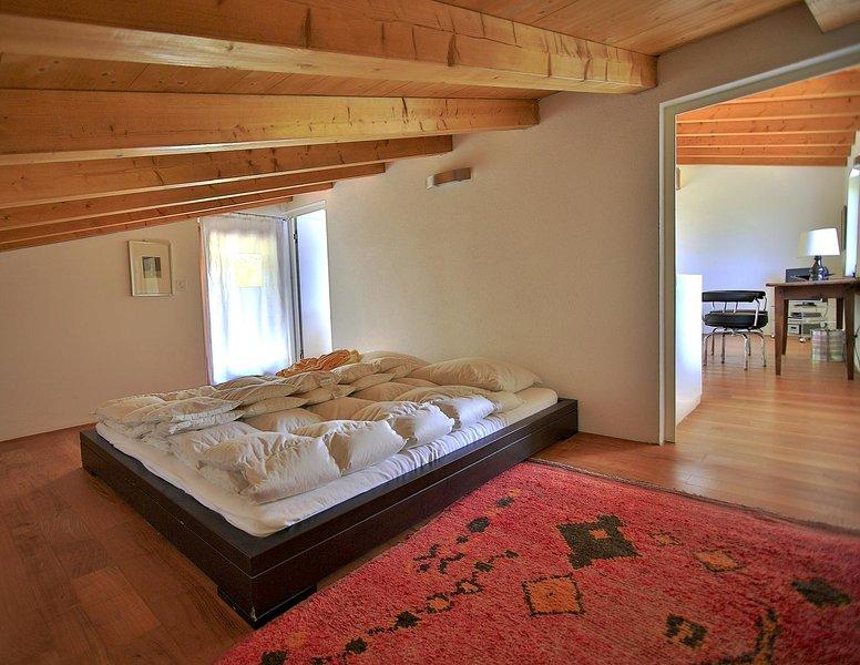 Haus für Ruhesuchende m. Seesicht und viel Komfort, holiday rental in Cugnasco