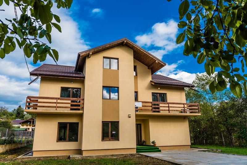 Pensiunea La Familia Romania, holiday rental in Dambovita County