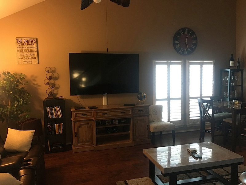 Super Bowl 2017 3 Story Town Home In Eado Has Grill And