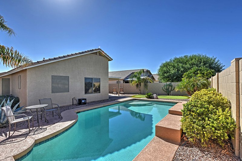 Complete with a private pool and putting green, you'll have no problem staying entertained!