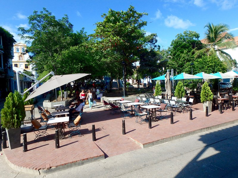 We are one half block from Parque Fernandez de Madrid, with cafes & more!