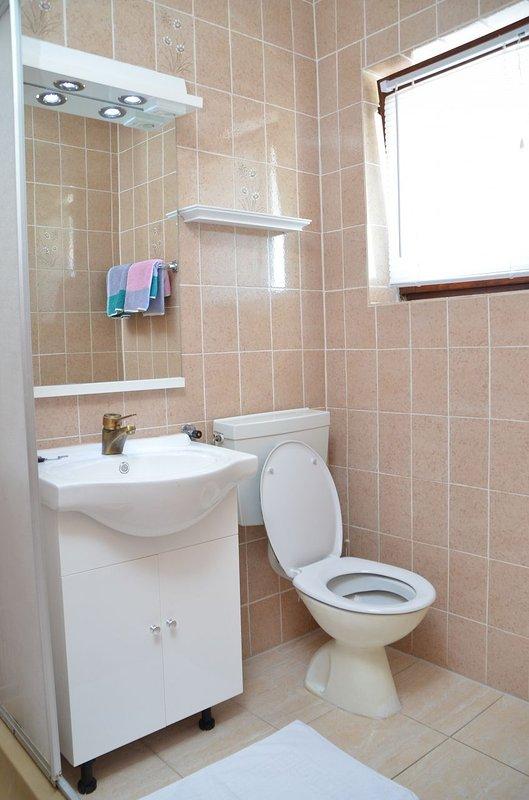 SA3 (2 + 1): bagno con wc