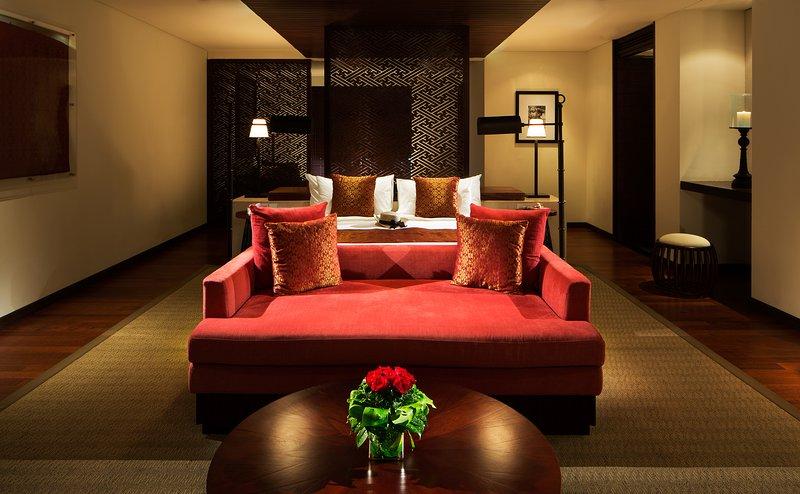 Honeymoon Pool Suite Living Room
