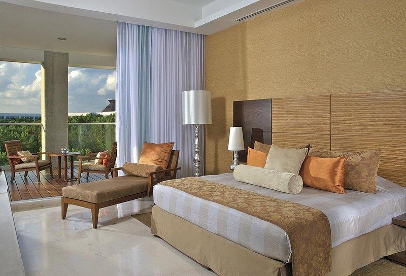 Grand Luxxe Master Room - Riviera Maya, holiday rental in El Hijo Prodigo