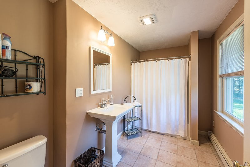 Lower Level Bath used  by Bedroom 4