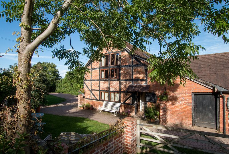 Award winning 17th century barn conversion with spacious accommodation on the first floor.