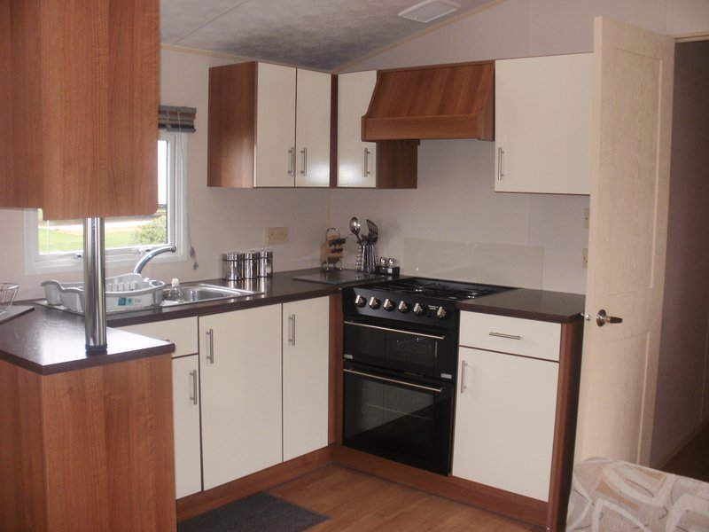 3 Bedrooms 2013 Model Willerby Sunset, vacation rental in Walton-on-the-Naze