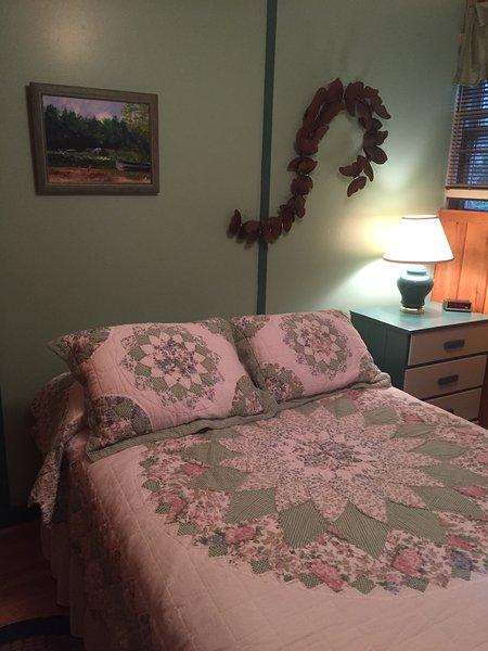 Terceiro quarto com colchão de tamanho completo