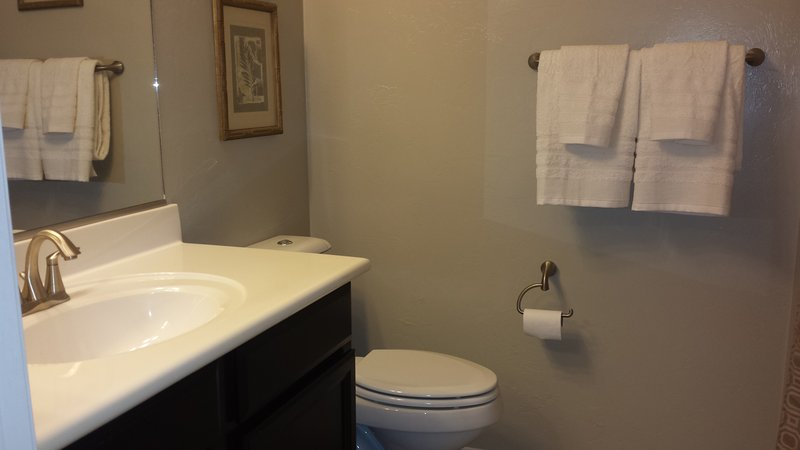 2nd full bath with tub and shower