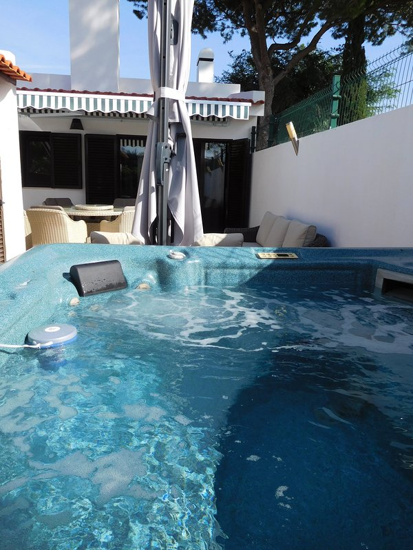 Lovely Private Hot Tub!