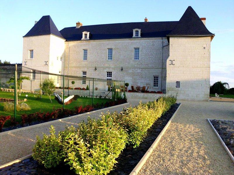 Le Château des Coudreaux voisin