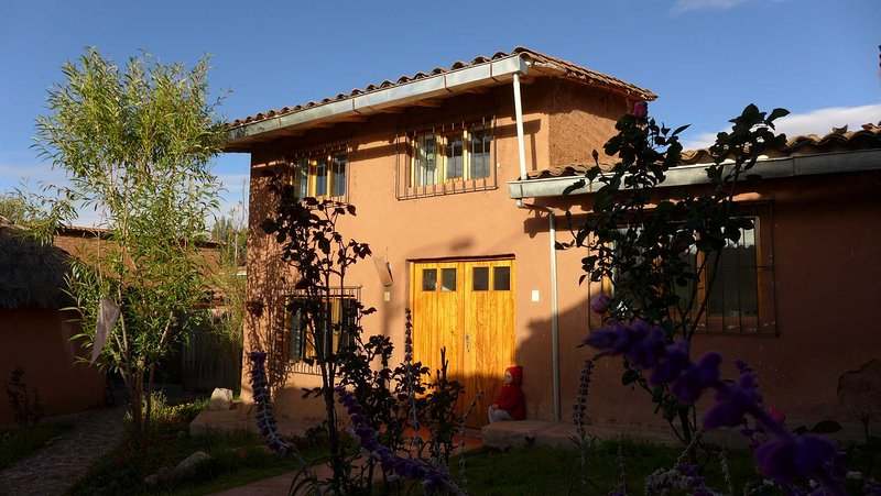 Chalet Andino 'Casa SiwarJoopi' - el otro Cusco, holiday rental in Cusco