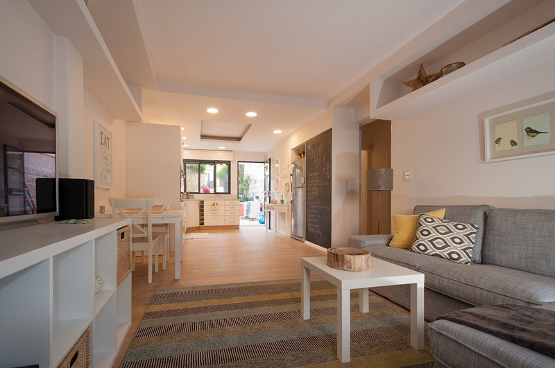 Kosher 2 Bdrm Ground Floor Cottage in Baka, vacation rental in Beit Sahour