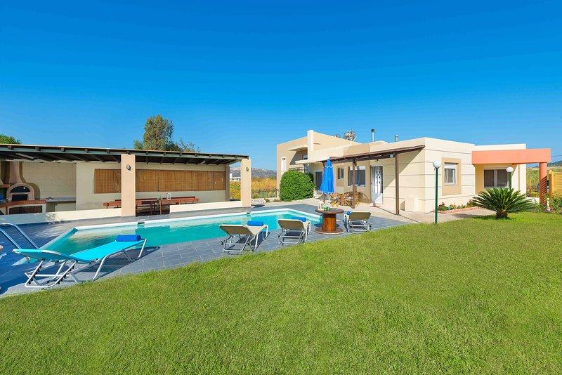 villa de calme, holiday rental in Paradeisi