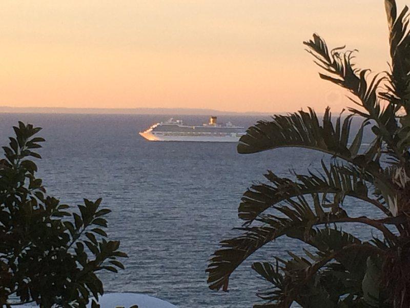 View maritime traffic