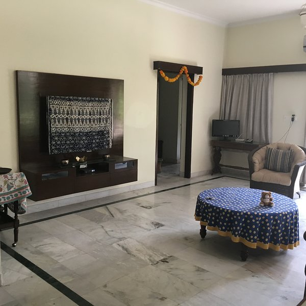 Lavender -options to book individual Rooms or Entire First Floor, vacation rental in Jaipur