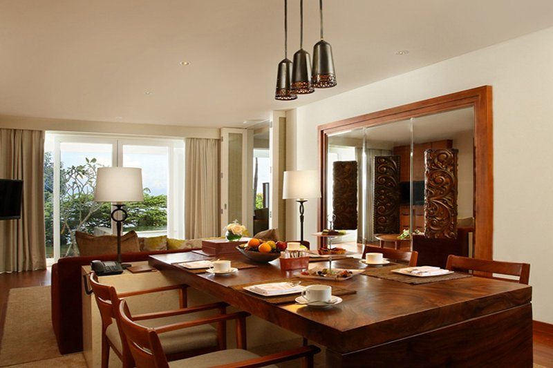 Family Suite Dining Room