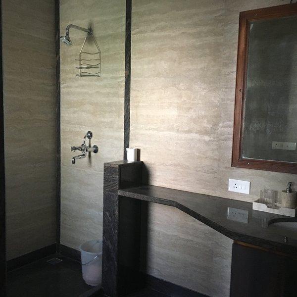 Salle de bain de luxe de haute qualité
