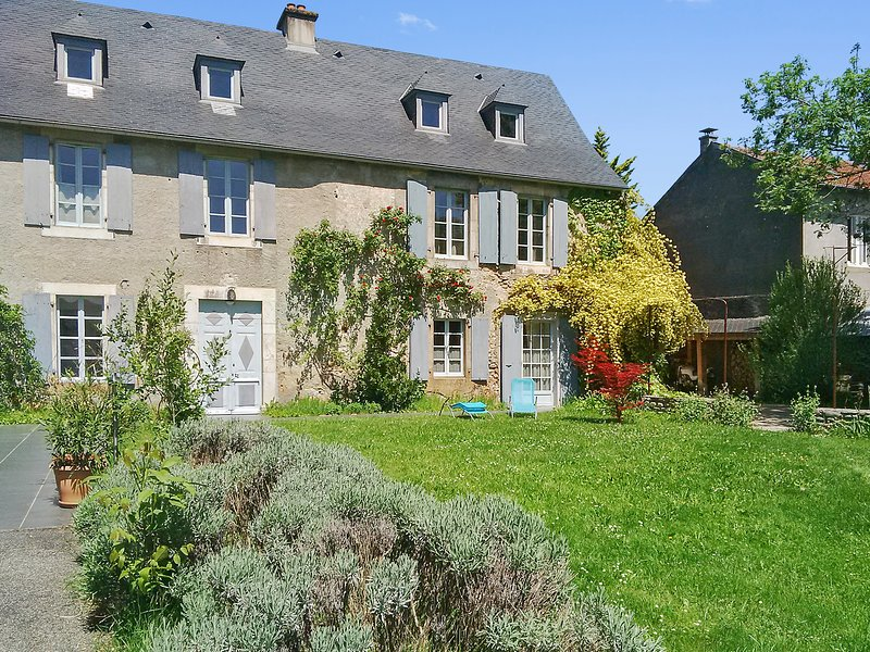 Amazing house with mountain view, location de vacances à La Barthe-de-Neste