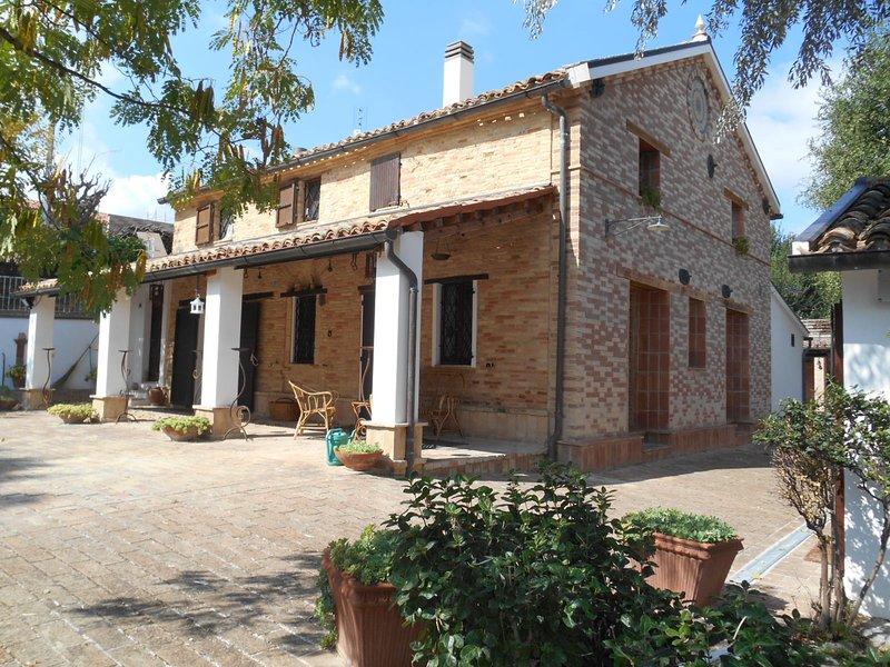 CASALE per Gruppi, location de vacances à Corinaldo