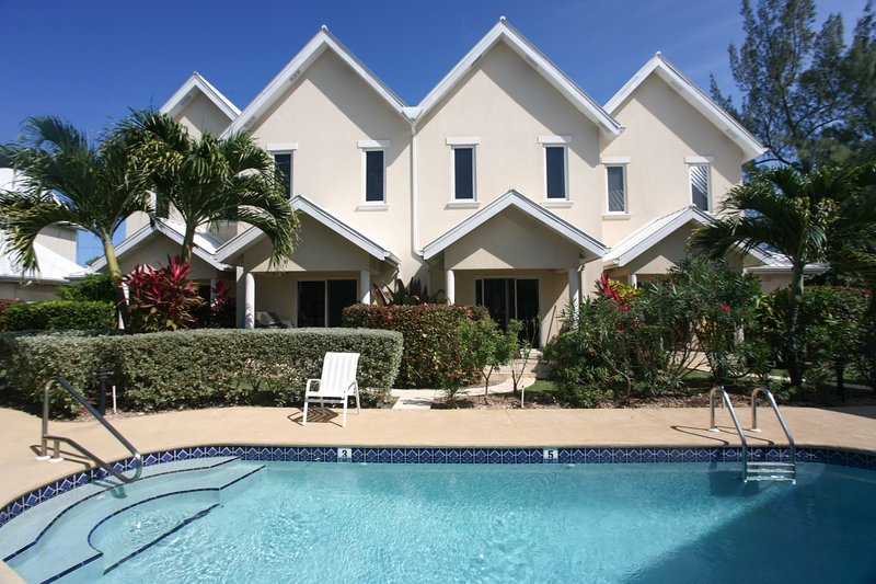 Upscale Caribbean getaway spot for a family with kids or friends/couples