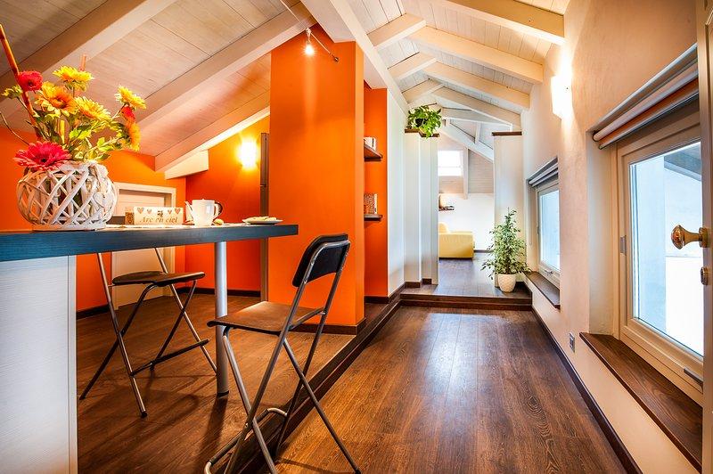 ARC EN CIEL APPARTAMENTI VACANZE 'SUITE ARANCIO', alquiler de vacaciones en Berzano di San Pietro