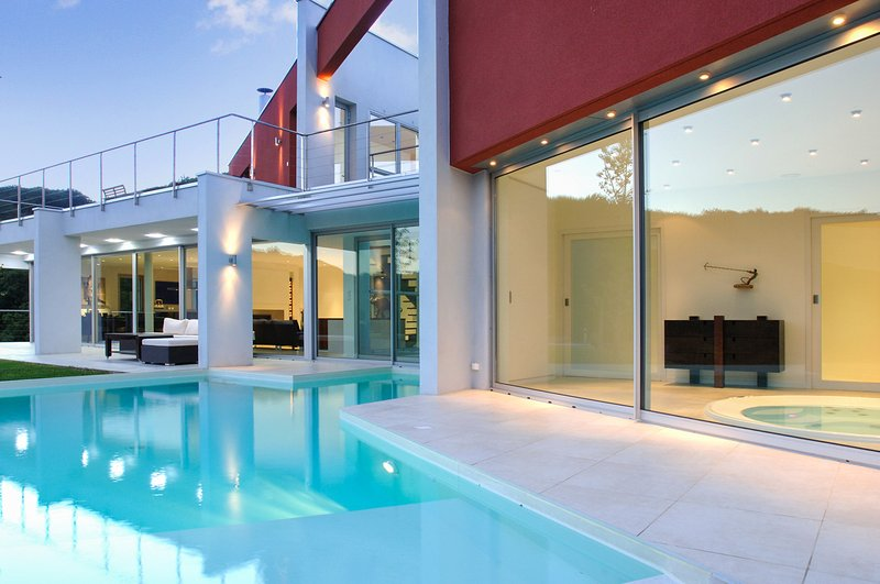 Big villa with swimming-pool & Wifi, alquiler vacacional en Malleval