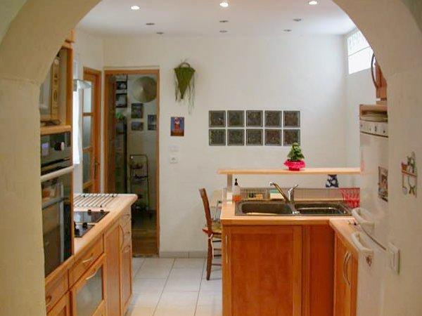 Amazing apartment with terrace, casa vacanza a La Plaine-Saint-Denis