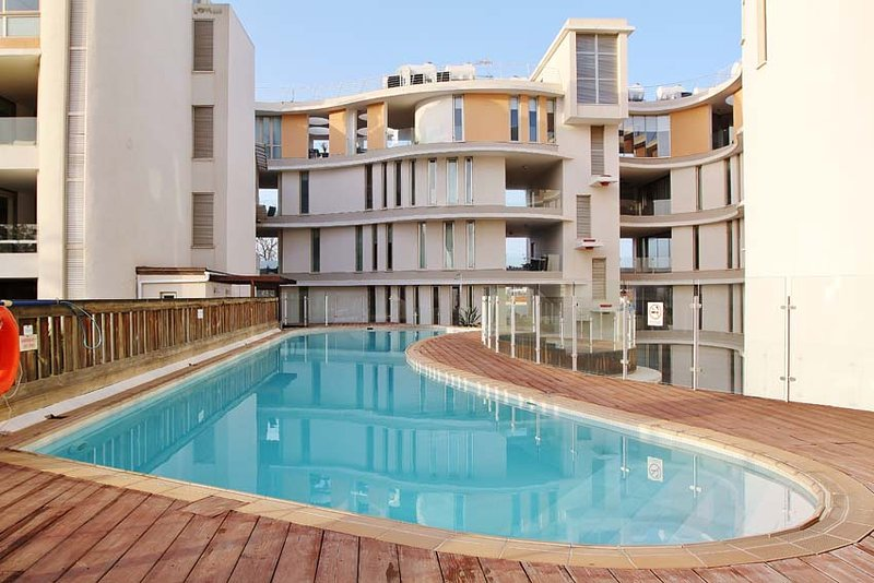 'City Living' 2 bedroom apartment, aluguéis de temporada em Arapkoy