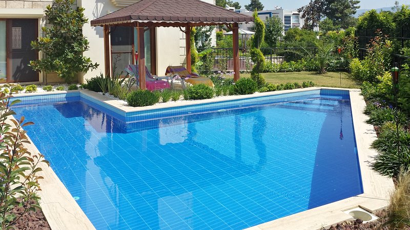 Spacious house with swimming-pool, vacation rental in Sogucak