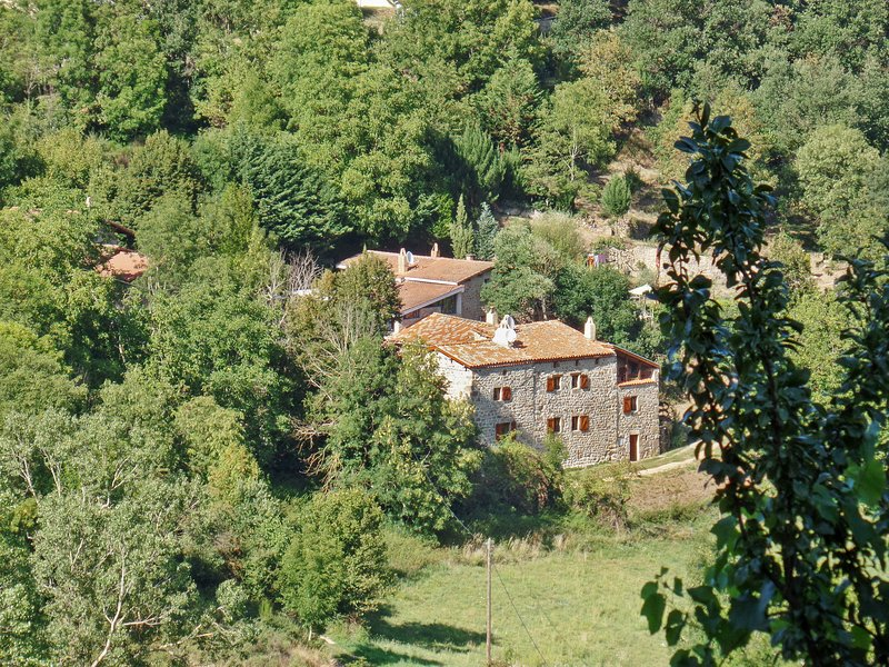 Amazing house with terrace, holiday rental in Silhac