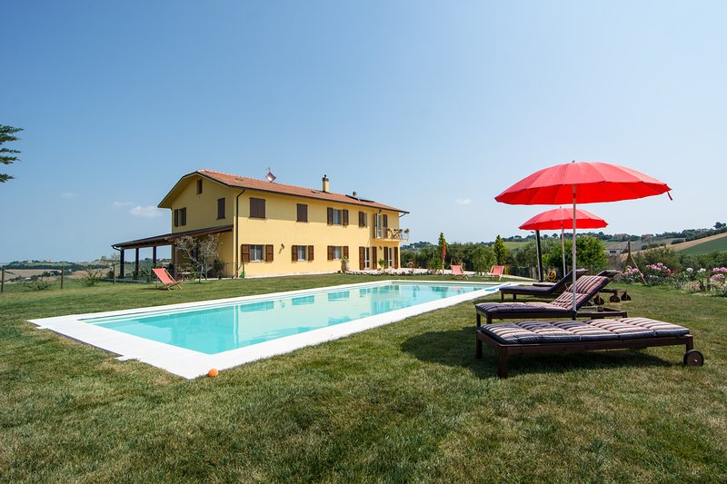 villa Olesia. B&B., holiday rental in Ostra Vetere