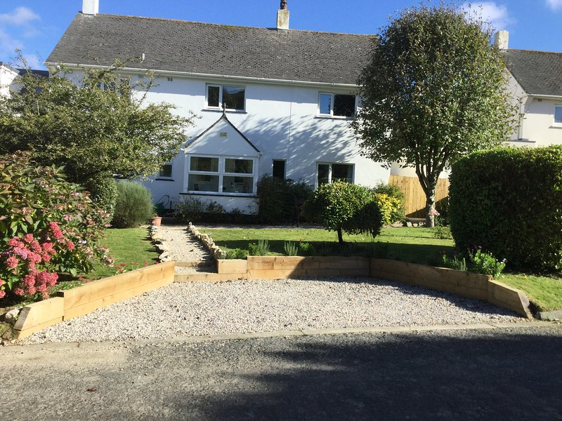 Comfortable pet-friendly well equipped family home, Ferienwohnung in St. Merryn