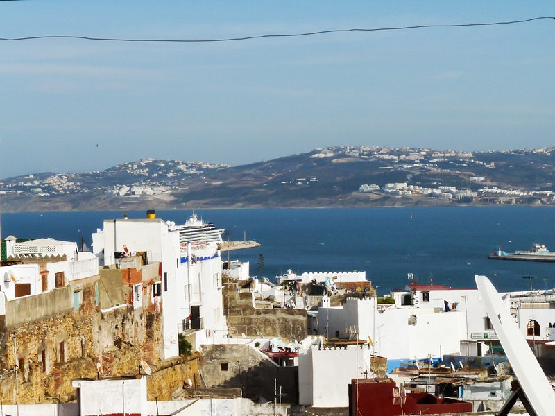 Beautiful house with sea view, holiday rental in Tangier