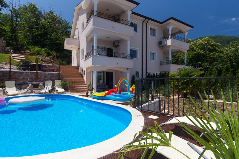 Amazing villa with swimming-pool, holiday rental in Ucka Nature Park